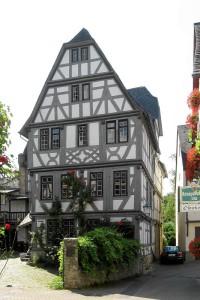 Restaurierung eines unter Denkmalschutz stehenden Renaissance Fachwerkhauses von 1589